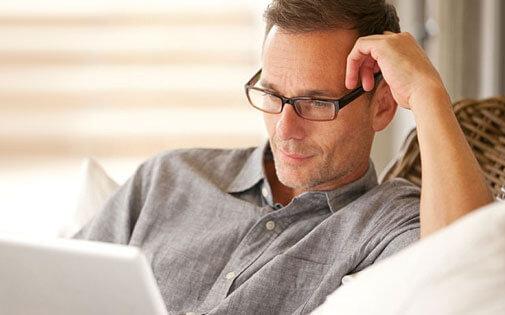 Neden 40 yaşın üzerinde yakın gözlüğü takıyoruz?